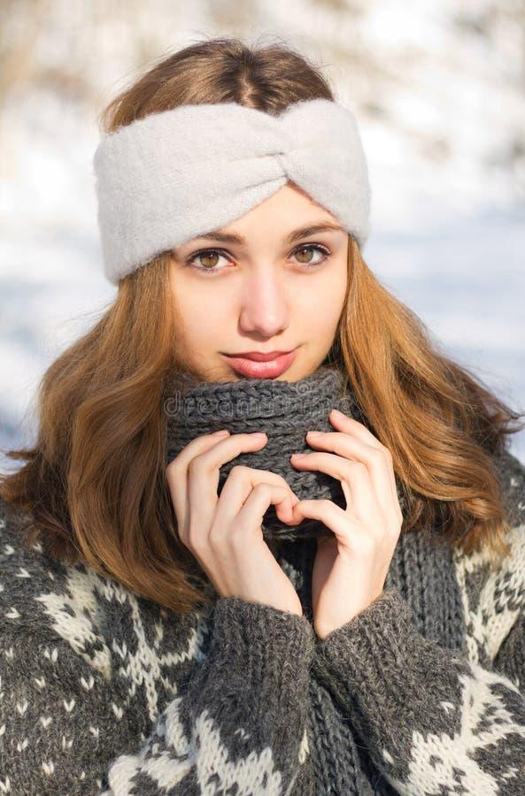 Μόδα για τις κρύες ημέρες στοκ εικόνα με δικαίωμα ελεύθερης χρήσης