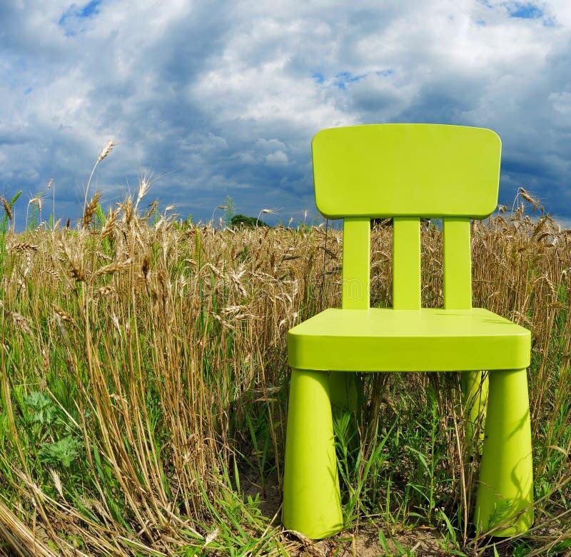 Μόνη καρέκλα στοκ φωτογραφίες με δικαίωμα ελεύθερης χρήσης