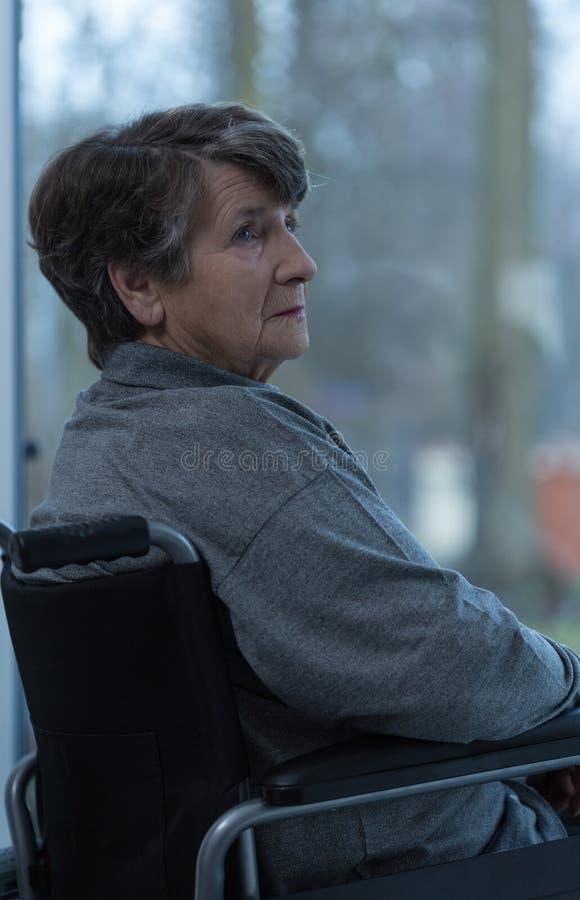 Μόνη καταθλιπτική γυναίκα στοκ φωτογραφία με δικαίωμα ελεύθερης χρήσης