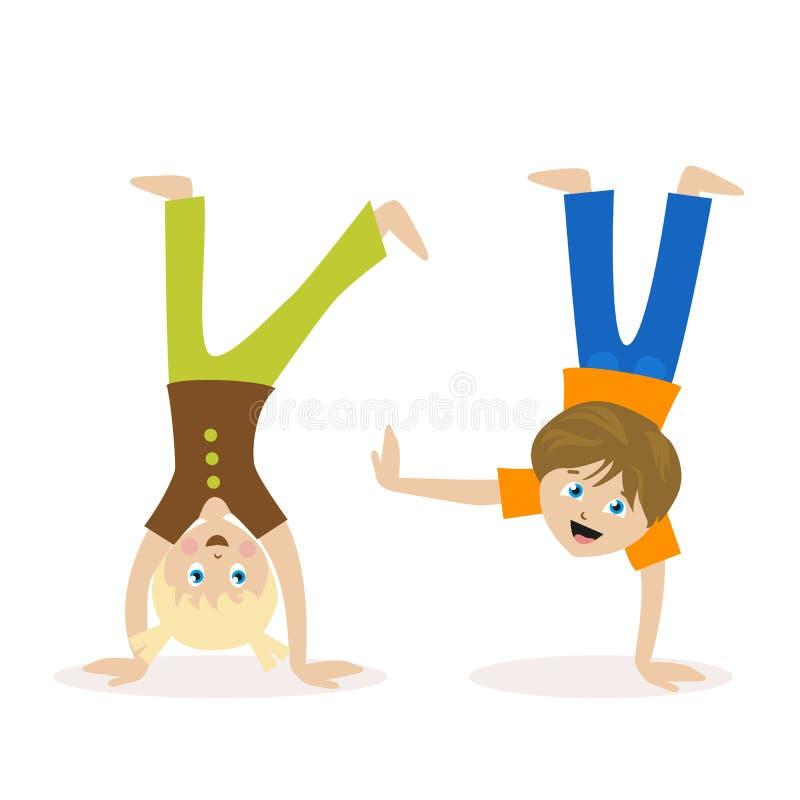 Μόνιμη άνω πλευρά αγοριών και κοριτσιών - κάτω σε ετοιμότητα τους Παιδιά που έχουν τη διασκέδαση ή τον αθλητισμό Αθλητισμός άσκησ απεικόνιση αποθεμάτων