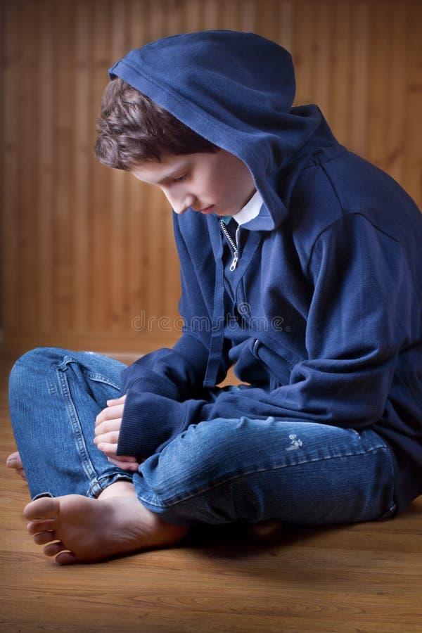 μόνος έφηβος στοκ φωτογραφίες