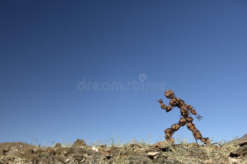 Μόνο άτομο πετρών που τρέχει σε μια συλλογή στοκ φωτογραφία με δικαίωμα ελεύθερης χρήσης