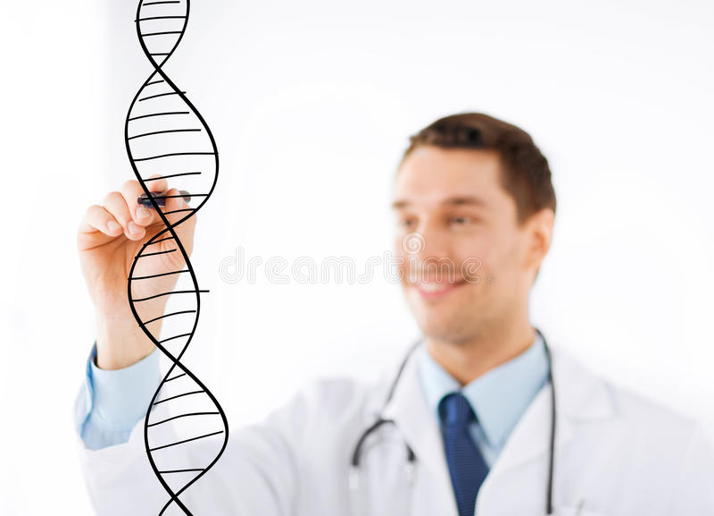 Μόριο DNA σχεδίων γιατρών στην εικονική οθόνη στοκ εικόνες