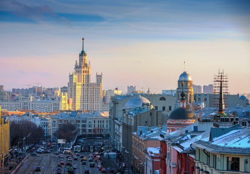 Μόσχα, άποψη του ουρανοξύστη στο ανάχωμα Kotelnicheskaya στοκ εικόνες