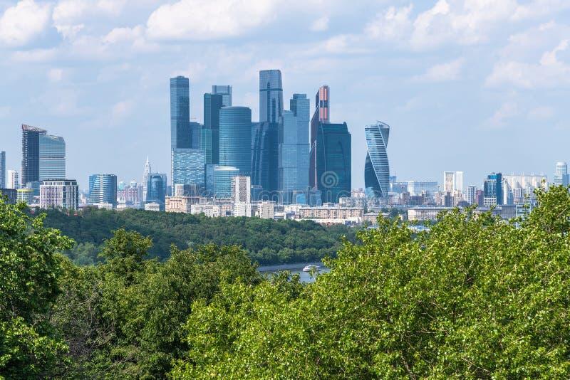 Μόσχα, Ρωσία - 28 Μαΐου 2019 Διεθνής Μόσχα-πόλη εμπορικών κέντρων - μόνο σύνθετη των ουρανοξυστών στην πόλη στοκ εικόνες με δικαίωμα ελεύθερης χρήσης