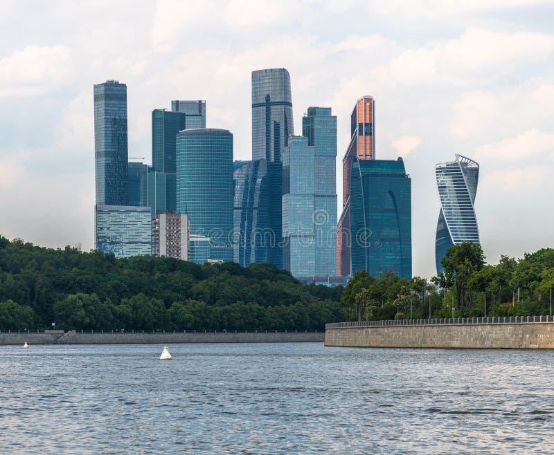 Μόσχα, Ρωσία - 28 Μαΐου 2019 Διεθνής Μόσχα-πόλη εμπορικών κέντρων - μόνο σύνθετη των ουρανοξυστών στην πόλη στοκ εικόνες