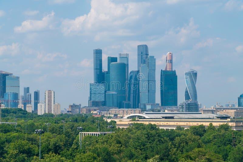 Μόσχα, Ρωσία - 28 Μαΐου 2019 Διεθνής Μόσχα-πόλη εμπορικών κέντρων - μόνο σύνθετη των ουρανοξυστών στην πόλη στοκ φωτογραφία με δικαίωμα ελεύθερης χρήσης