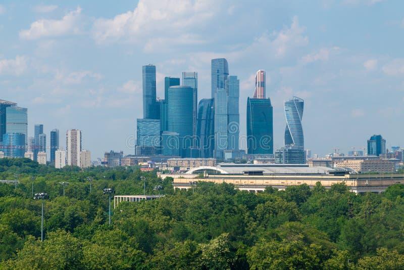 Μόσχα, Ρωσία - 28 Μαΐου 2019 Διεθνής Μόσχα-πόλη εμπορικών κέντρων - μόνο σύνθετη των ουρανοξυστών στην πόλη στοκ εικόνα με δικαίωμα ελεύθερης χρήσης