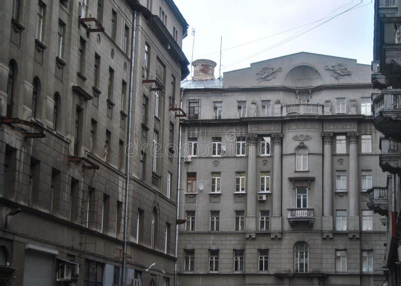 Μόσχα το Μάρτιο του 2012: Κερδοφόρα σπίτια στην πόλης οδό της Κίνας στοκ εικόνες με δικαίωμα ελεύθερης χρήσης