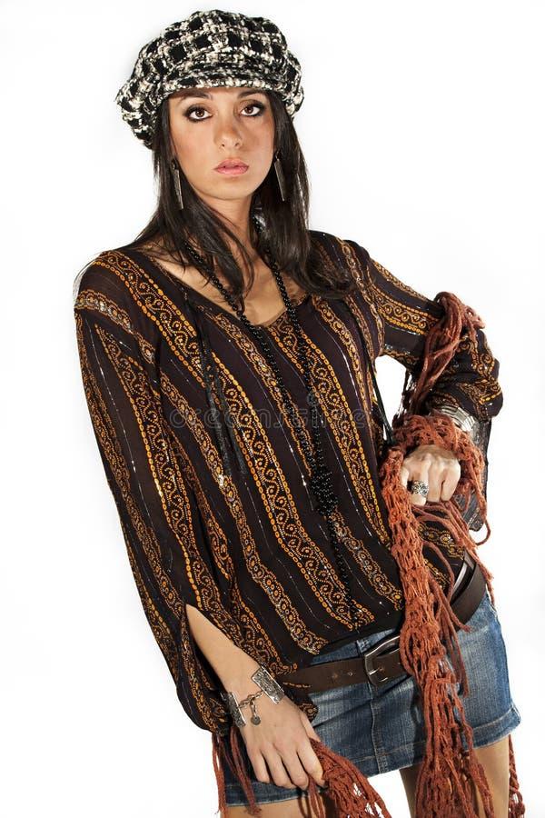 Μόδας ιταλικό ύφος γυναικών brunette πρότυπο στο λευκό στοκ εικόνες