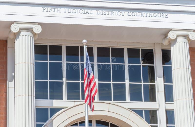 Μύγες Ηνωμένων σημαιών δικαστήριο σε Άγιο George Γιούτα στοκ εικόνες