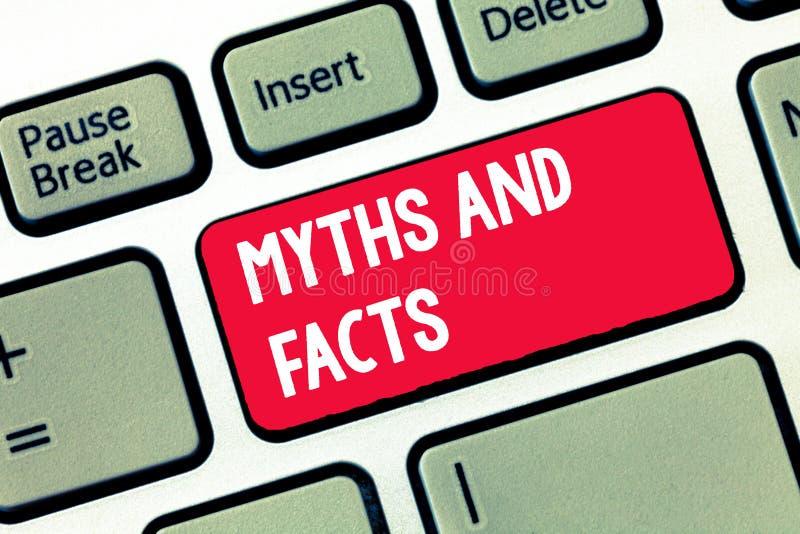 Μύθοι και γεγονότα γραψίματος κειμένων γραφής Έννοια που σημαίνει τη Oppositive έννοια για τη σύγχρονη και αρχαία περίοδο στοκ εικόνες με δικαίωμα ελεύθερης χρήσης
