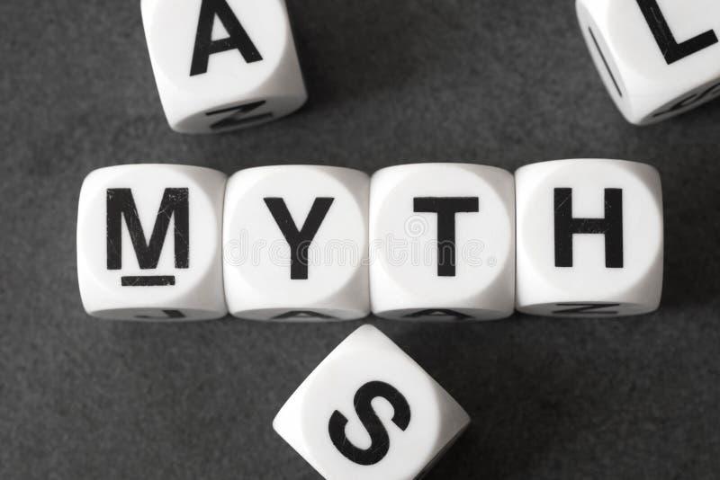 Μύθος λέξης στους κύβους παιχνιδιών στοκ φωτογραφία με δικαίωμα ελεύθερης χρήσης