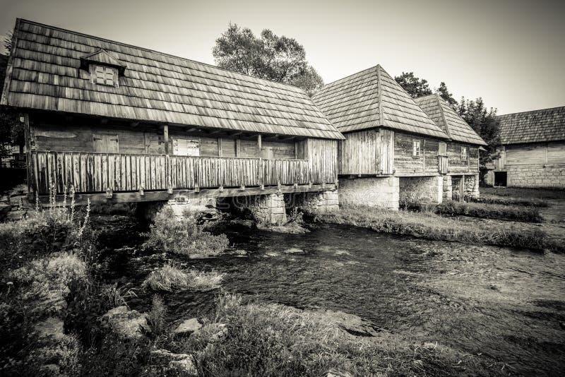 Μύλοι στον ποταμό Gacka στοκ εικόνες