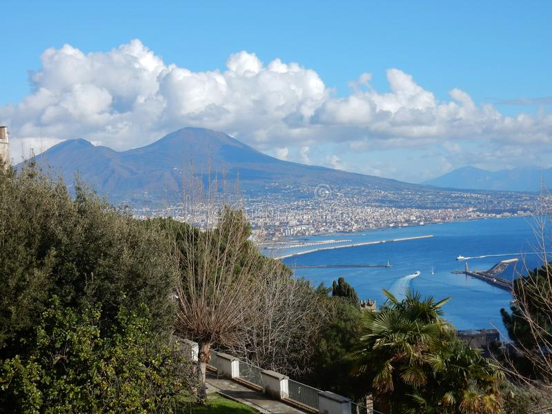 Νάπολη - άποψη από Giardini Di SAN Martino στοκ εικόνα