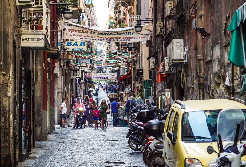 Νάπολη, Ιταλία - 10 Αυγούστου 2017: Τα ισπανικά τέταρτα Quartieri Spagnoli είναι ένα μέρος της πόλης της Νάπολης στην Ιταλία Είνα στοκ εικόνες