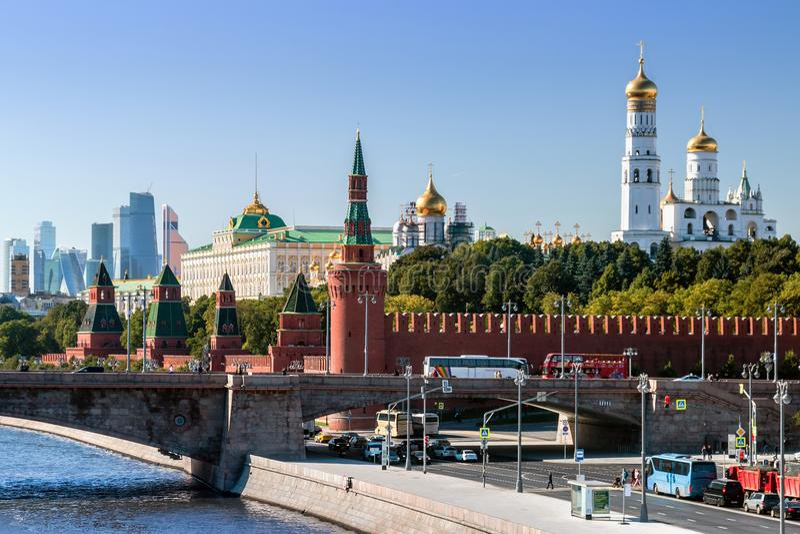 Νέα άποψη της Μόσχας Κρεμλίνο και του αναχώματος Moskvoretskaya στοκ εικόνες με δικαίωμα ελεύθερης χρήσης