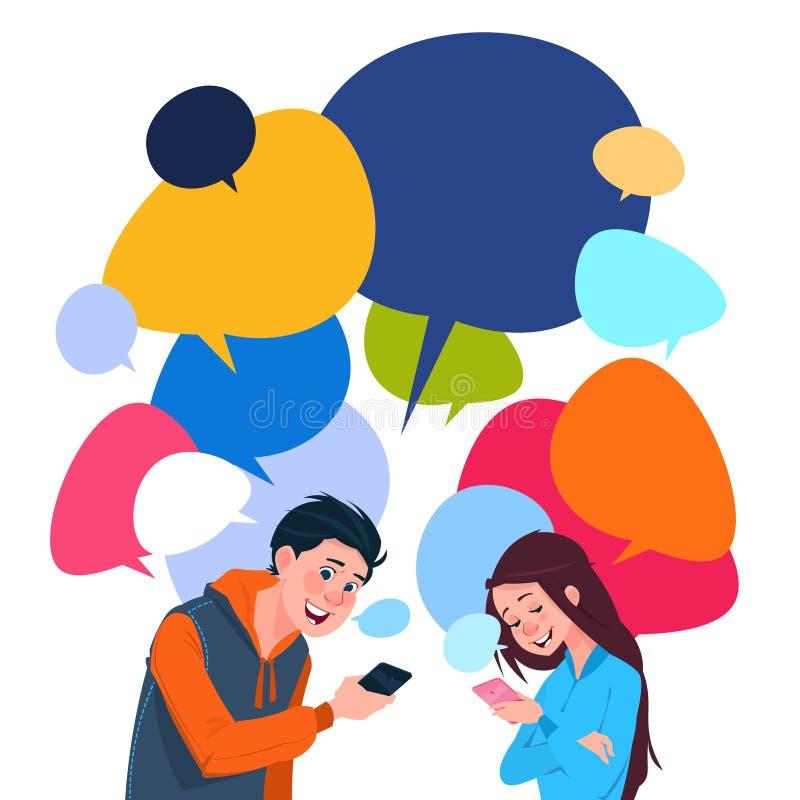 Νέα έξυπνα τηλέφωνα κυττάρων εκμετάλλευσης μηνύματος αγοριών και κοριτσιών πέρα από τις ζωηρόχρωμες φυσαλίδες συνομιλίας διανυσματική απεικόνιση