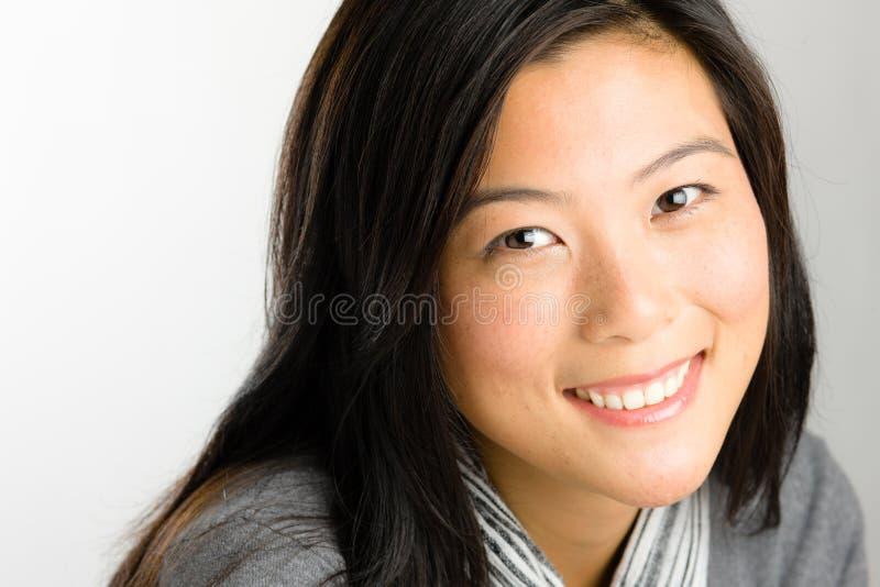 Νέα ασιατική γυναίκα στοκ εικόνες με δικαίωμα ελεύθερης χρήσης