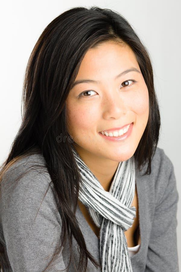 Νέα ασιατική γυναίκα στοκ φωτογραφία