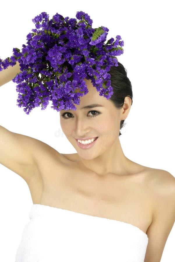 Νέα ασιατική όμορφη γυναίκα στοκ εικόνα με δικαίωμα ελεύθερης χρήσης