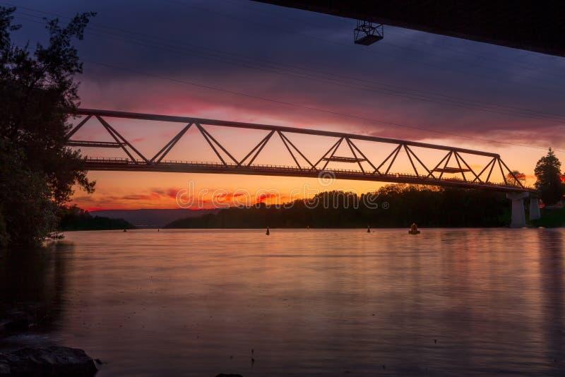Νέα γέφυρα πέρα από τον ποταμό Penrith Nepean στοκ φωτογραφία