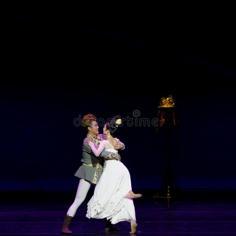 Νέα γαμήλια νύχτα το 2-τριών actï ¼ š ` όνειρο να τεμαχίσει το μετάξι ` - επική πριγκήπισσα ` μεταξιού δράματος ` χορού στοκ φωτογραφία