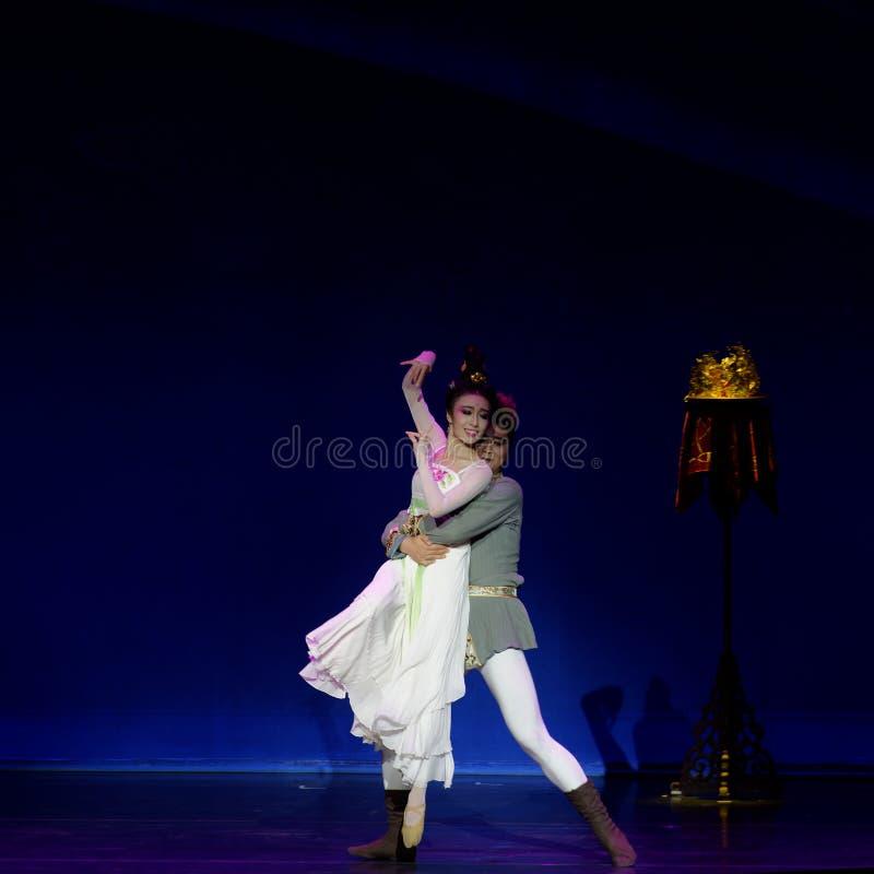 Νέα γαμήλια νύχτα το 2-τριών actï ¼ š ` όνειρο να τεμαχίσει το μετάξι ` - επική πριγκήπισσα ` μεταξιού δράματος ` χορού στοκ φωτογραφίες
