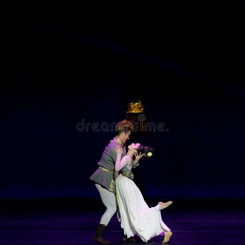 Νέα γαμήλια νύχτα το 3-τριών actï ¼ š ` όνειρο να τεμαχίσει το μετάξι ` - επική πριγκήπισσα ` μεταξιού δράματος ` χορού στοκ εικόνες