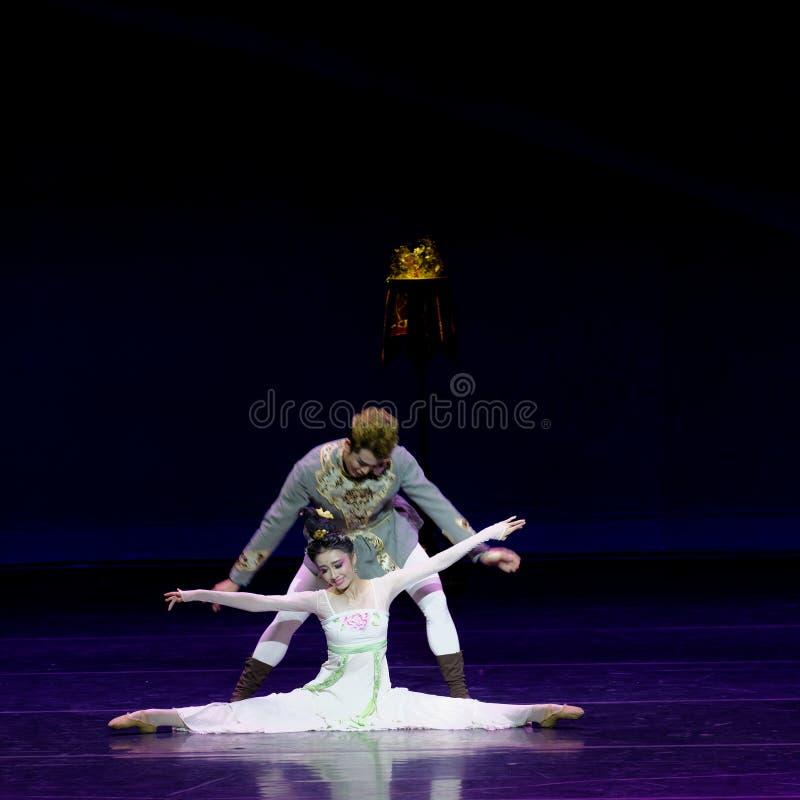 Νέα γαμήλια νύχτα το 4-τριών actï ¼ š ` όνειρο να τεμαχίσει το μετάξι ` - επική πριγκήπισσα ` μεταξιού δράματος ` χορού στοκ εικόνες με δικαίωμα ελεύθερης χρήσης