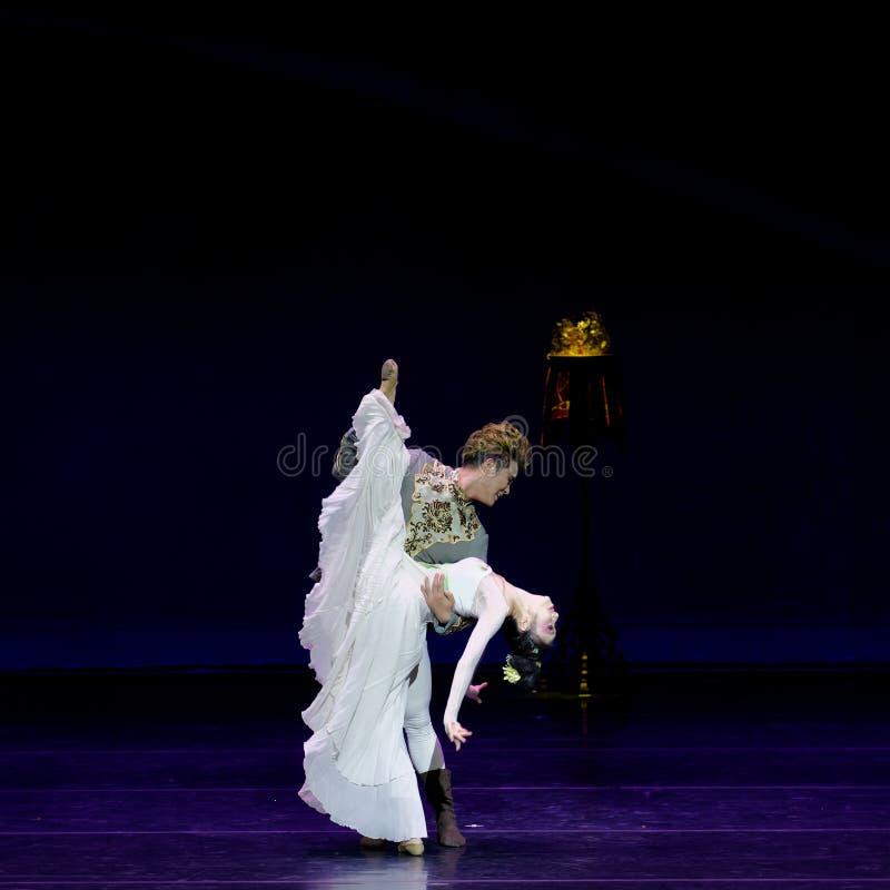 Νέα γαμήλια νύχτα το 4-τριών actï ¼ š ` όνειρο να τεμαχίσει το μετάξι ` - επική πριγκήπισσα ` μεταξιού δράματος ` χορού στοκ φωτογραφίες