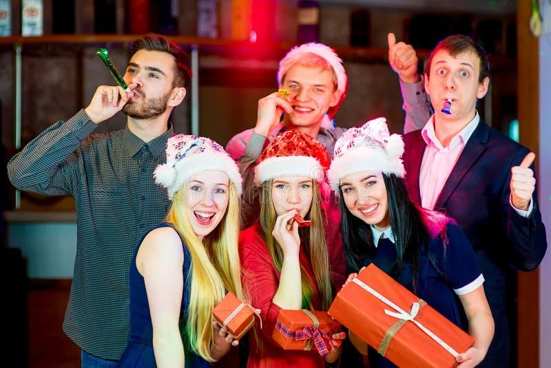 Νέα γιορτή Χριστουγέννων λαών στοκ εικόνα με δικαίωμα ελεύθερης χρήσης
