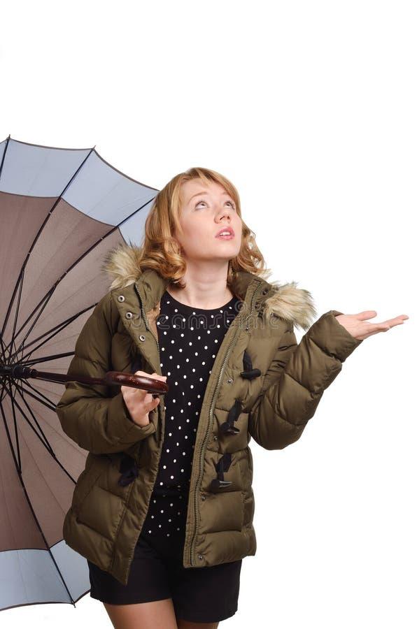 Νέα γυναίκα κάτω από την ομπρέλα στοκ εικόνες με δικαίωμα ελεύθερης χρήσης