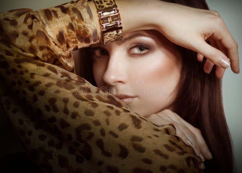 Νέα γυναίκα με το makeup στοκ φωτογραφίες με δικαίωμα ελεύθερης χρήσης