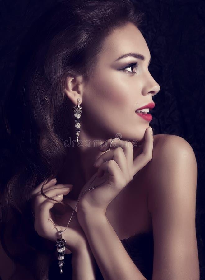 Νέα γυναίκα με το makeup στοκ εικόνες