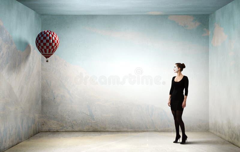 Νέα γυναίκα mime Μικτά μέσα στοκ φωτογραφίες