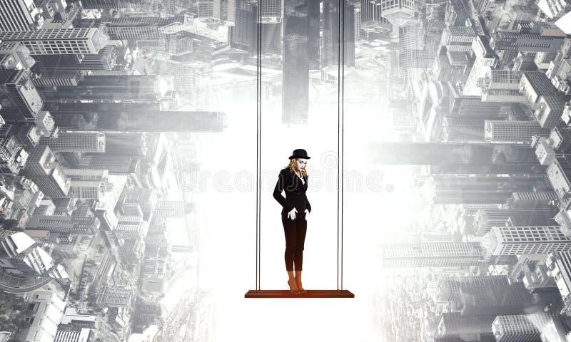 Νέα γυναίκα mime r στοκ εικόνες με δικαίωμα ελεύθερης χρήσης