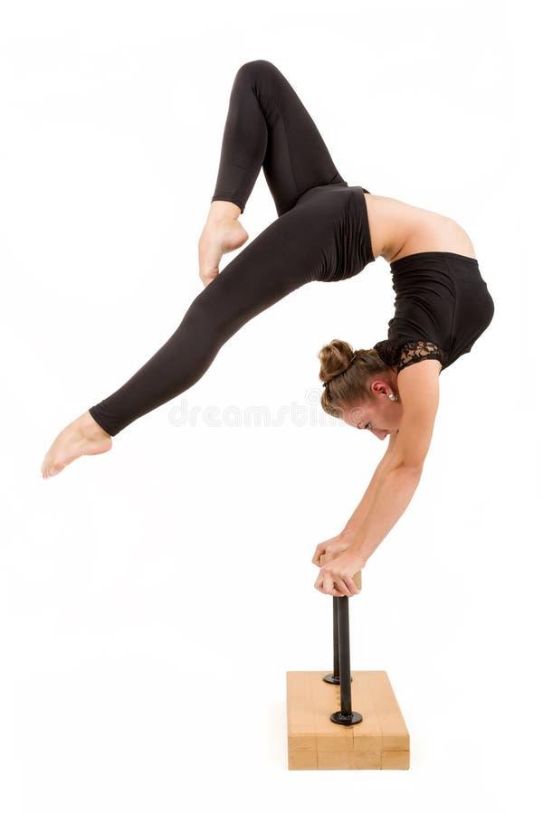 Νέα επαγγελματική gymnast γυναίκα στοκ εικόνες