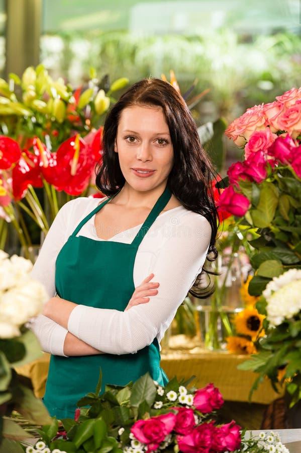 Νέα επιχείρηση ιδιοκτητών μαγαζιό λουλουδιών ανθοκόμων γυναικών στοκ εικόνα