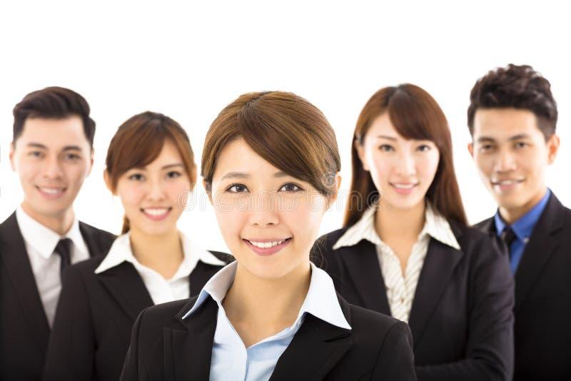 Νέα επιχειρηματίας με την επιτυχή επιχειρησιακή ομάδα στοκ εικόνες με δικαίωμα ελεύθερης χρήσης
