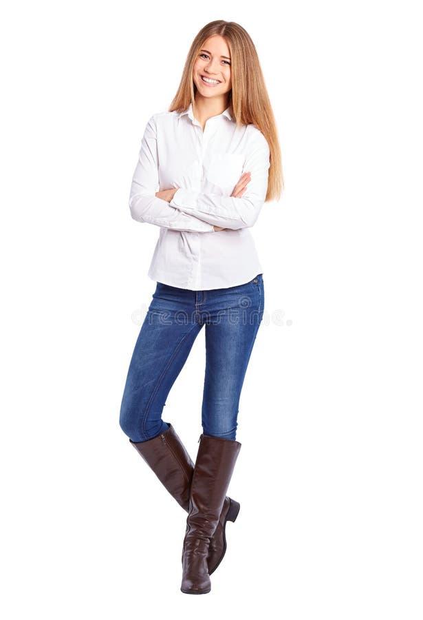 Νέα επιχειρηματίας στο άσπρο πουκάμισο που στέκεται με τα διασχισμένα όπλα στοκ φωτογραφία με δικαίωμα ελεύθερης χρήσης