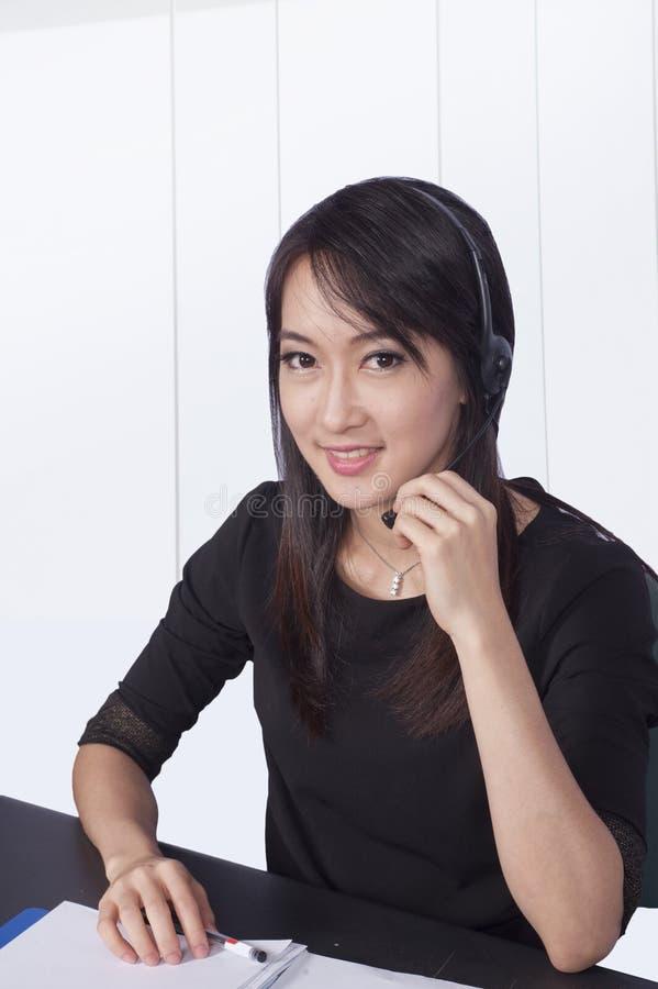 Νέα επιχειρησιακή γυναίκα στοκ φωτογραφία