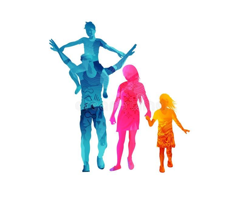 Νέα εύθυμη οικογένεια που περπατά από κοινού ελεύθερη απεικόνιση δικαιώματος