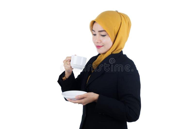 Νέα και όμορφη επιχειρησιακή γυναίκα Muslimah στοκ φωτογραφία με δικαίωμα ελεύθερης χρήσης
