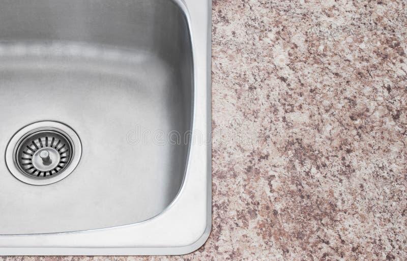 Νέα καταβοθρών και countertop κουζινών λεπτομέρεια στοκ εικόνα