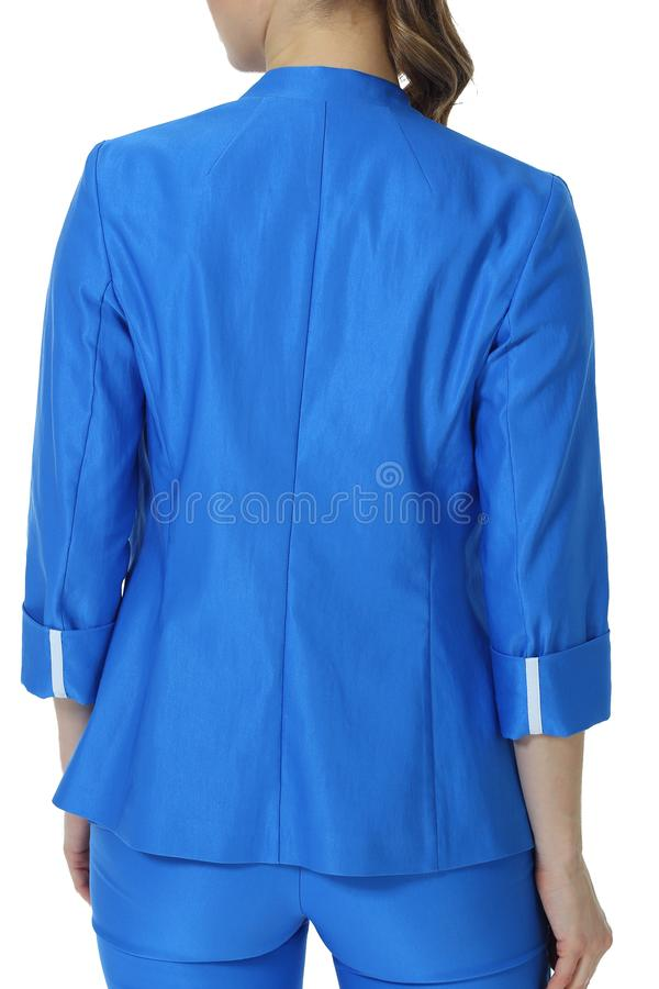 Νέα καυκάσια εκτελεστική τοποθέτηση επιχειρησιακών γυναικών φόρεμα φορεμάτων θερινών στο κοντό μανικιών στοκ εικόνα με δικαίωμα ελεύθερης χρήσης