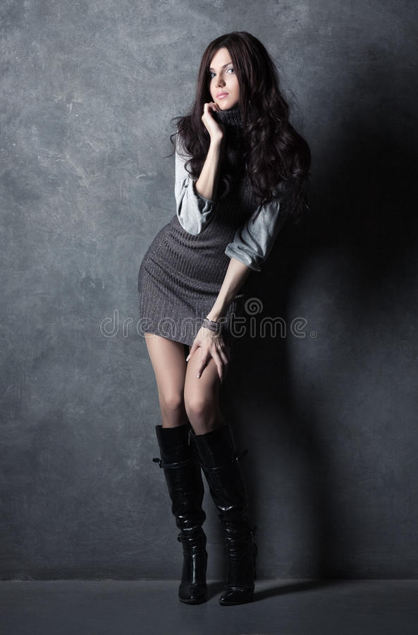 Νέα λεπτή γυναίκα στοκ φωτογραφία με δικαίωμα ελεύθερης χρήσης