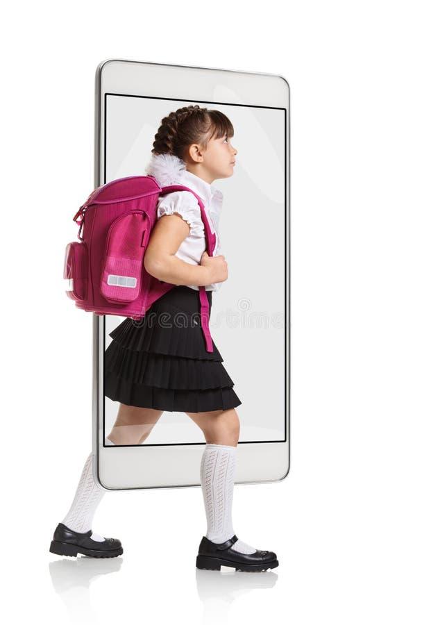Νέα μαθήτρια με το σακίδιο πλάτης στοκ εικόνα με δικαίωμα ελεύθερης χρήσης
