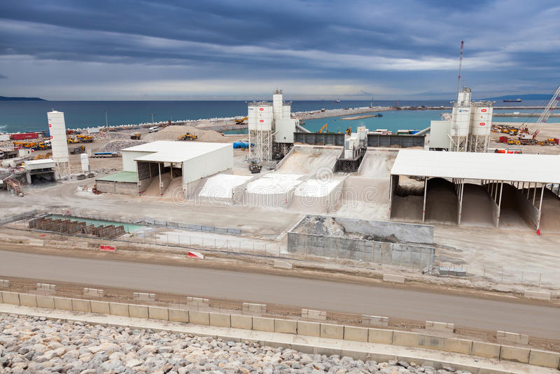 Νέα περιοχή τερματικών κάτω από την κατασκευή στο Ταγγέρη-MED 2 λιμένων στοκ εικόνες
