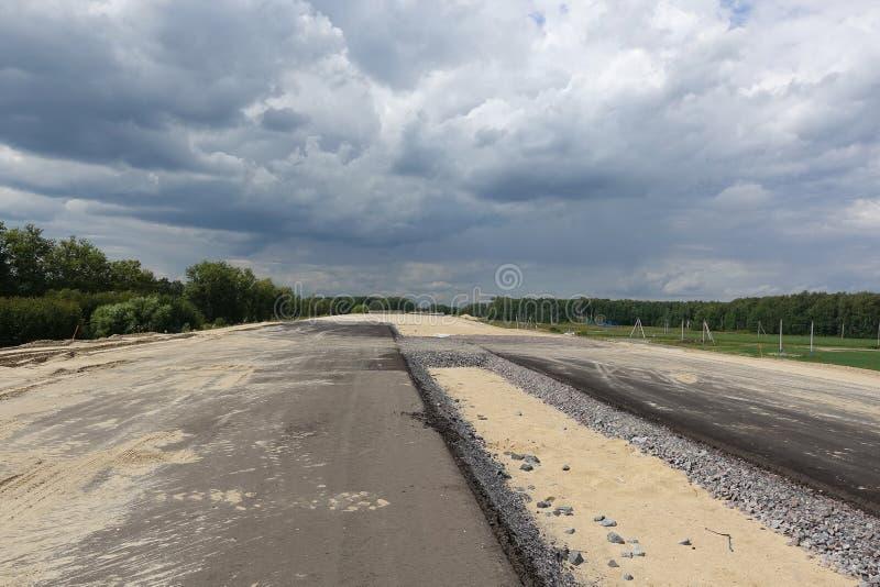 Νέα πολλών δρόμων εθνική οδός κάτω από την κατασκευή στοκ εικόνα με δικαίωμα ελεύθερης χρήσης